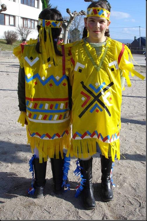 Disfraz escolar de Indio con bolsa de basura