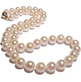 pearls-neck-032806