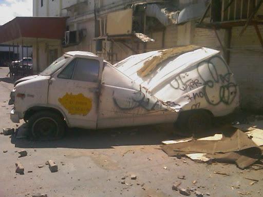 carro destrozado