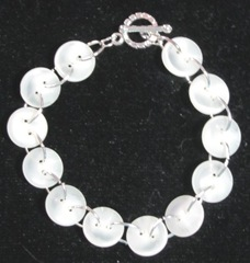 button bracelet white2