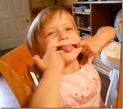2011-03-27 Kids Eating (3)