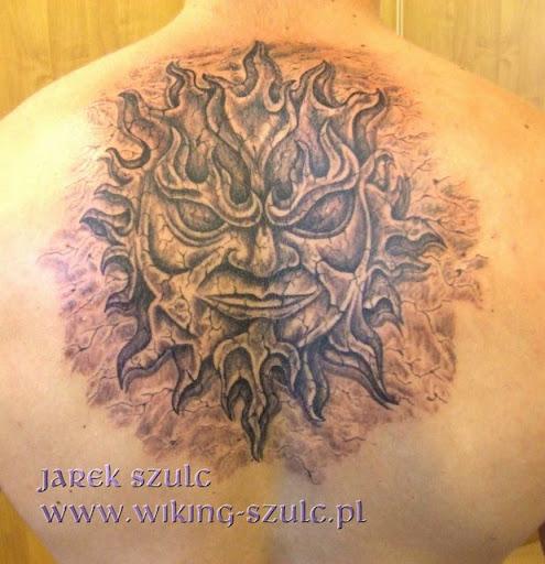 Jarek Szulc - tatuaż , tattoo - Studio Tatuaży WIKING - słońce , stone sun