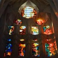 iluminacion-vidrio-colores-sagrada-familia