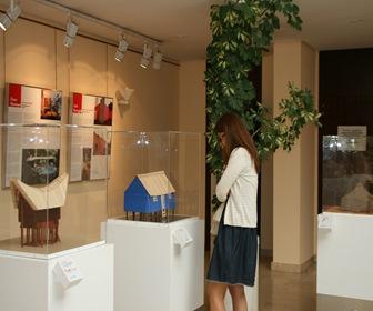 Exposición-Habitar-12-casas-12-historias