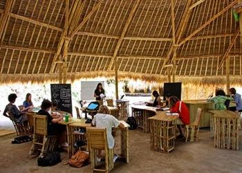 bambu-escuela-de-bambu-arquitectura-sostenible-materiales-biocosntrcuccion
