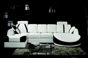 decoracion-interior-living-blanco-y-negro-sofas