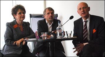 Het panel: vlnr Inge Angevaare, Charles Jeurgens, en Sander Bersee