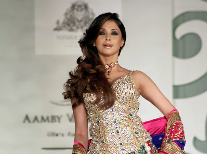urmila matondkar rfor bridal fashion week