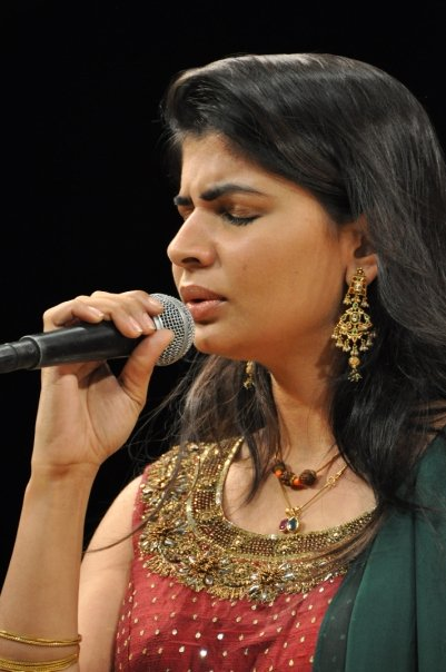 singer chinmayee chinmayi glamour  images
