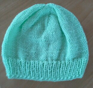 Easy Bootie Knitting Pattern : KNITIT: Free Knitting Pattern No.1: Quick Beanie