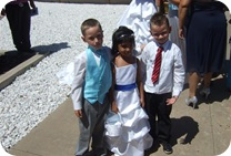 07__short cuties at the wedding