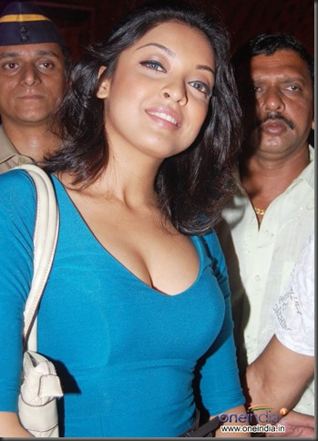 tanushree dutta sexy bollywood actress pictures090310