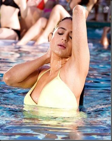 amisha_patel hot bikini