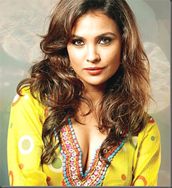 02lara dutta sexy bollywood actress pictures 160709