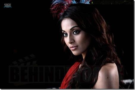 03 Bipasha Basu sexy look in Pankh