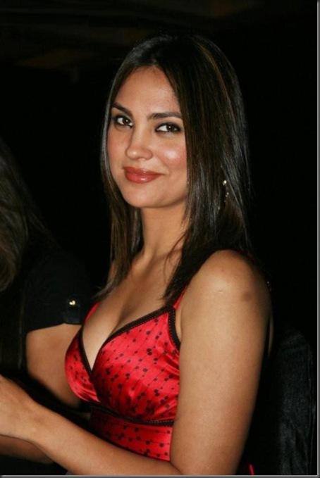 Lara dutta sexy pictures1808101