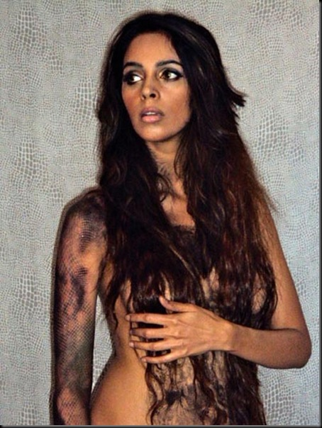 Mallika Sherawat's hot pose to promote Hisss