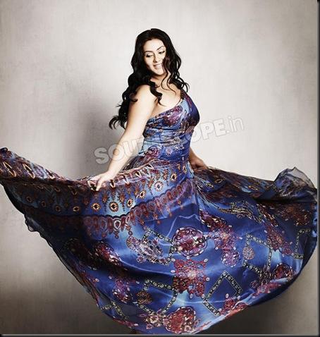 Namitha-Photoshoot-for-South-Scope-1