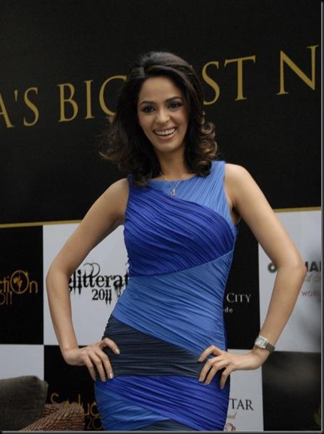 mallika-sherawat-grace-the-sahara-star-new-year-bash-anno