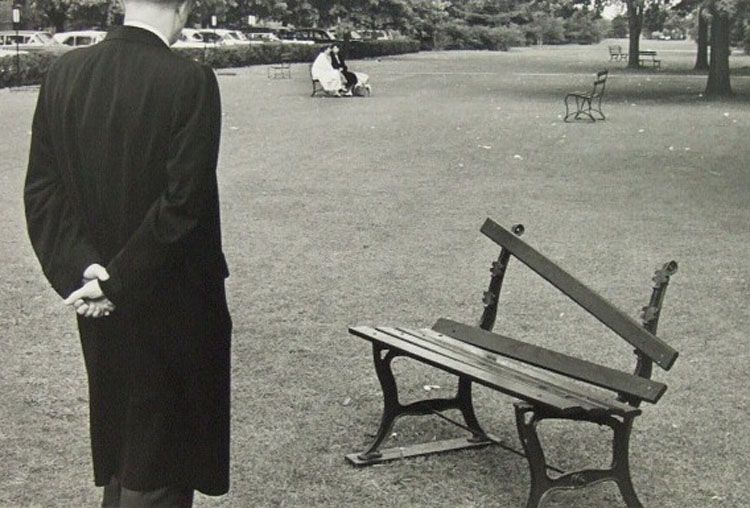 Andre Kertesz[Photographs 9 Broken Bench].jpg