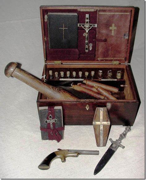 vampire-killing-kit-3