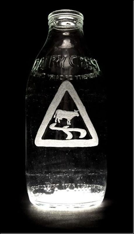 Arte na garrafa de leite por Charlotte Hughes-Martin (6)