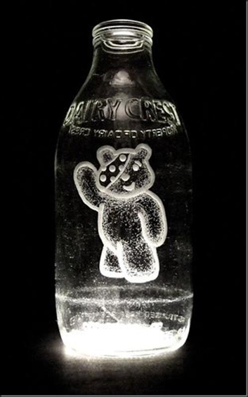 Arte na garrafa de leite por Charlotte Hughes-Martin (7)