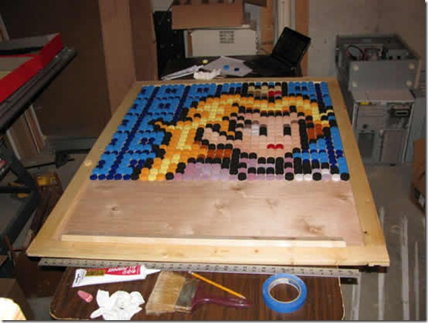 Princesa Peach do jogo Super Mario feita com tampinhas de garrafa pet (6)