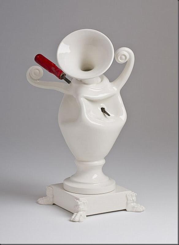 Esculturas de porcelana bem diferentes e criativas (10)
