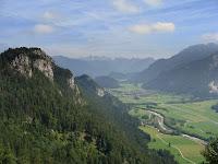 Schöne Blick auf die Vils von der Falkenburg aus.
