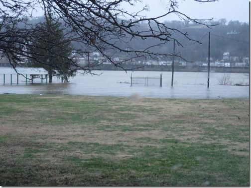 Ohio River flood pictures