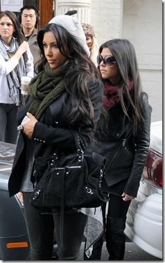 Kim-Kourtney Kardashian_Olive Wine