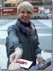 Helena Sjögren delar ut användbar information