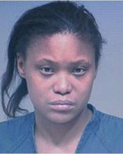 Mulher é presa após ligar para a polícia para pedir carona