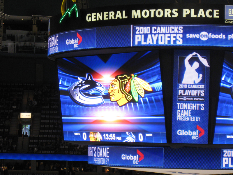 canucks_blackhawks_game6_9.jpg