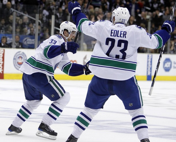 canucks_kings_game4_7.jpg