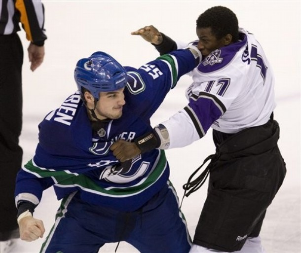 canucks_kings_game5_7.jpg