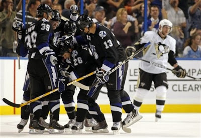 lightning_oct27_penguins4.jpg