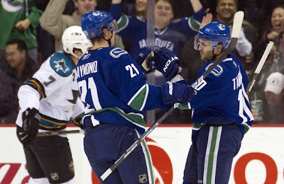 canucks_nov26_sharks2.jpg