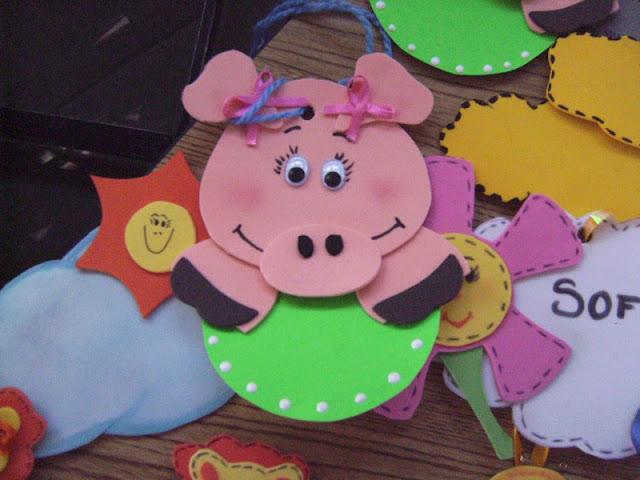 Gafetes para niños de fomi - Imagui