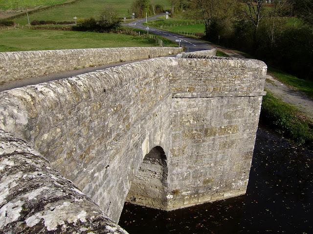 Pont fortifié Pont%20sur%20la%20Charente%20%283%29