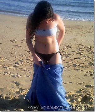 chicas en tangas playa
