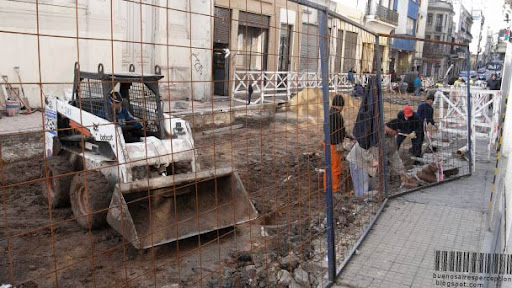 Haciendo Buenos Aires, Construction Work in Defensa Street in the San Telmo Neighbothood