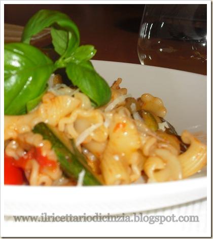 gigli con pomodori e zucchine