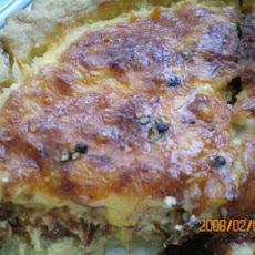 Cheesy Bacon & Sausage Breakfast Quiche
