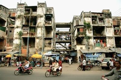 Juan Díaz García — Unha rúa de Phnom Penh en Camboxa