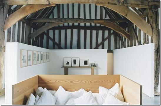 Casa de Valentina - via ShootFactory - 2 estilos na mesma casa em Londres - teto trabalhado