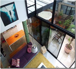 Vista de cima, decoração moderna e descolada