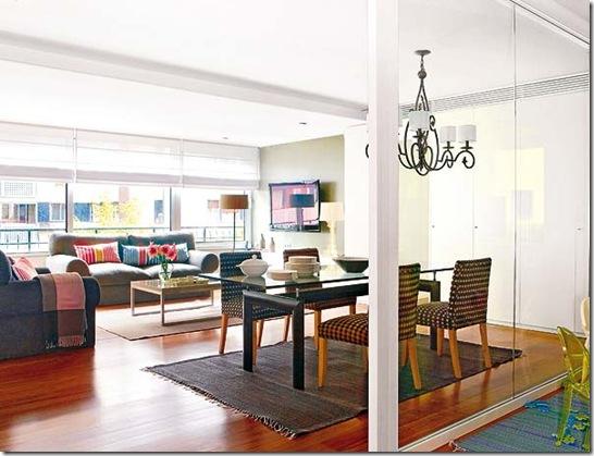 Apartamento com sala de estar e de jantar integradas. Imagem Mi Casa