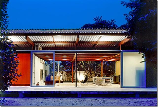 Casa aberta para o vento. Casa projetada por Nitsche Associados e fotografada por Nelson Kon
